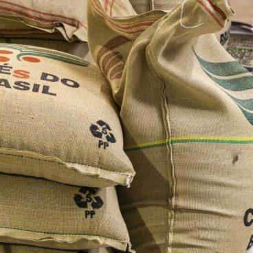 coffee, rösterrei, coffee roasting-4585745.jpg